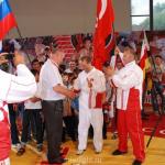 вручение главному судье приза от турецкой команды