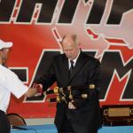 Вручение С. Б. Ермакову самурайского меча от команды Ирана