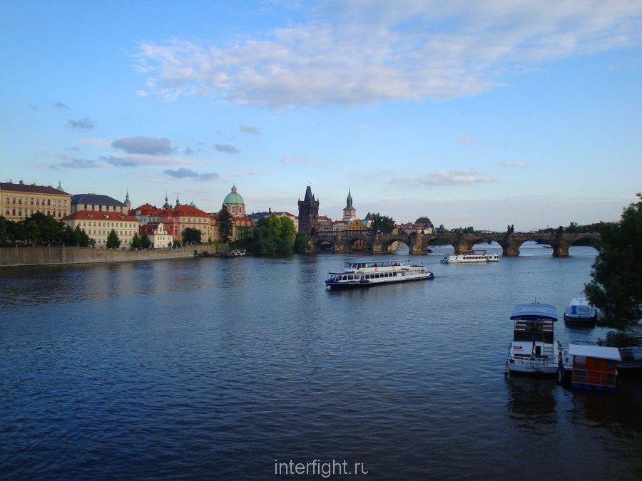 praha-karlov-most-reka-vltava