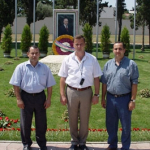 У могилы президента Гейдара Алиева