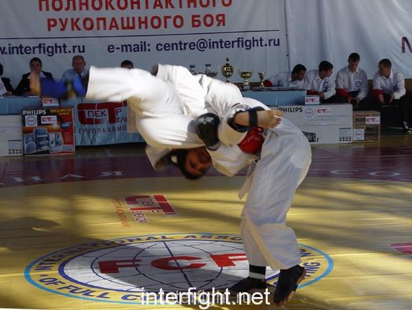 26-11-04_fight14_b