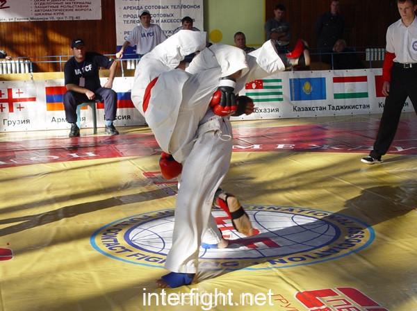 26-11-04_fight16_b