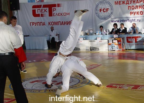 26-11-04_fight18_b