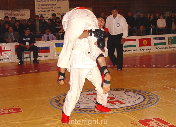 26-11-04_fight19_b