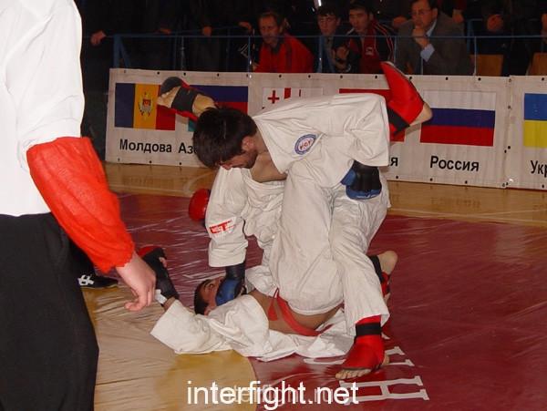 26-11-04_fight21_b