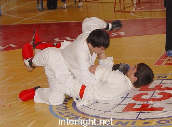 26-11-04_fight27_b