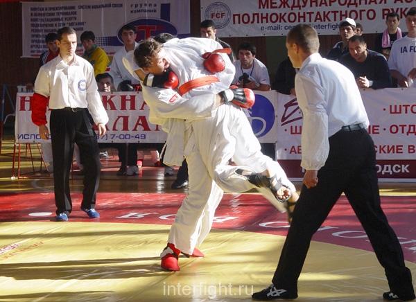 26-11-04_fight33_b