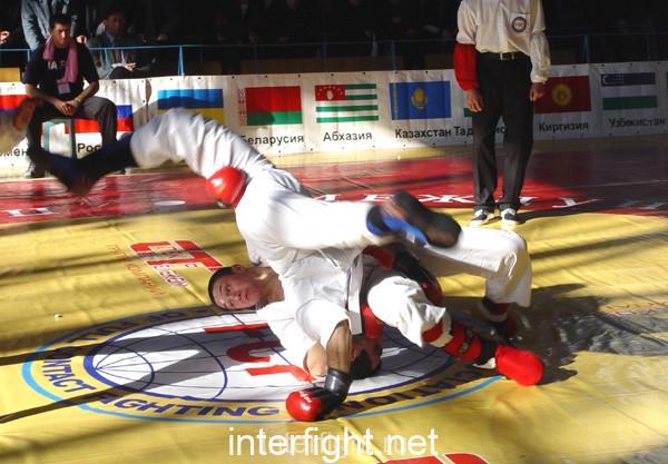 26-11-04_fight4_b