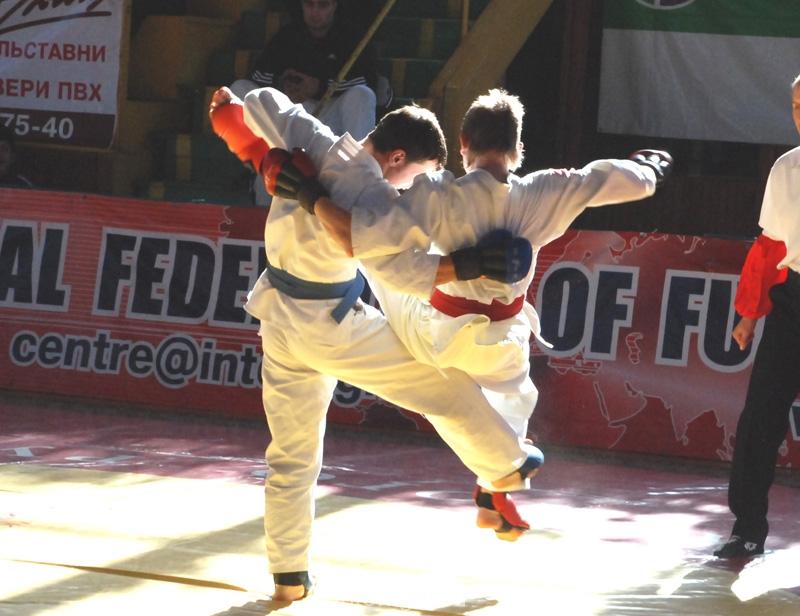 011_fighting