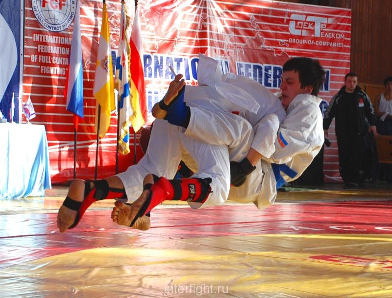 028_fighting