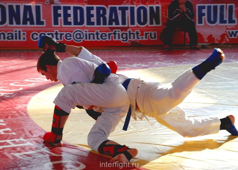 031_fighting